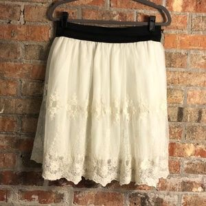 Forever 21 cream lace tulle skirt
